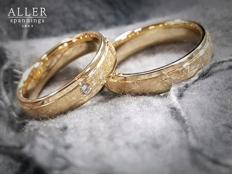 Jullie bruiloft wordt geweldig! De trouwring ook…